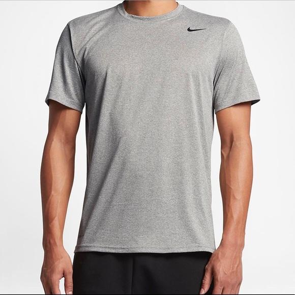 Men's Nike Breathe Dri Fit Training T-Shirt Sz Large  Gray//black NWT